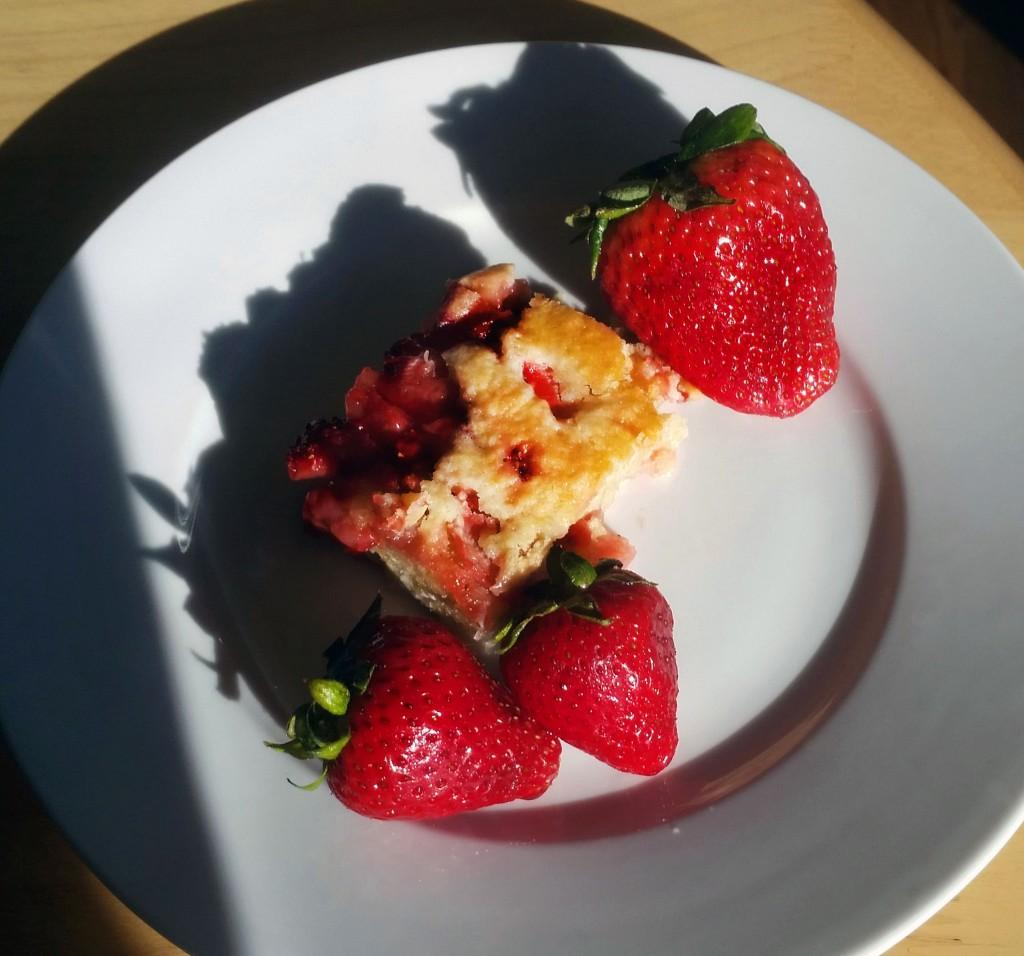 Ready for Summer: Strawberry Crumb Bars