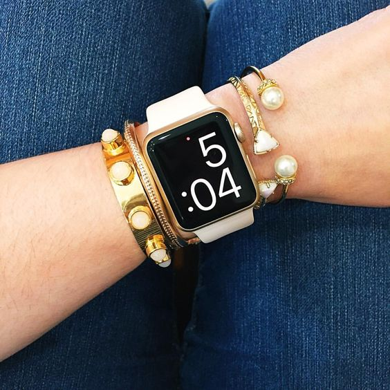 Battle of the Brands: Fitbit vs. Apple Watch – A Magazine